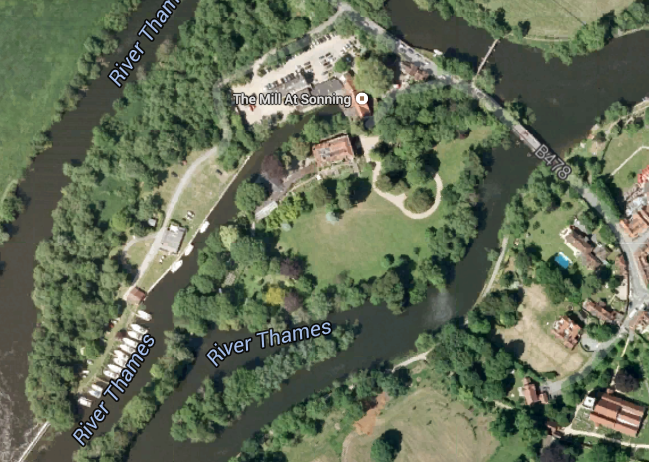 George and Amal clooney;s mansion surrounded by flood waters AERIAL-Mill-House-Sonning-Wokingham-UK