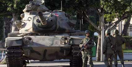 موسوعة الجيش التونسي  Tunesische-soldaten-in-der-naehe-des-innenministeriums-hier-wurden-auch-vier-deutsche-festgenommen-foto-dpa-