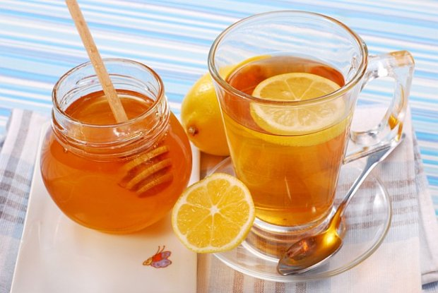 Présentation de Sucréomiel - Page 12 Simple-and-Effective-Honey-and-Lemon-Tea-Recipe-For-Sore-Throats1