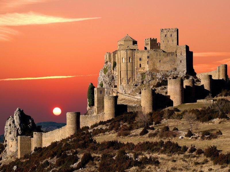 Los castillos más bonitos  - Página 2 Aragc3b3n20-20huesca20-20castillo20de20loarre2016