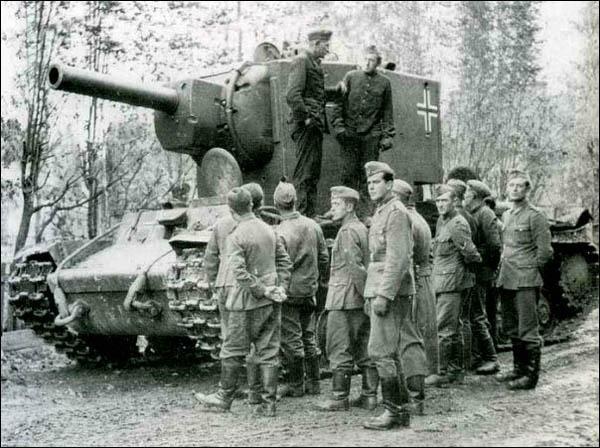 Сфера танкового производства - Страница 5 Tank_KV-2_ger_600
