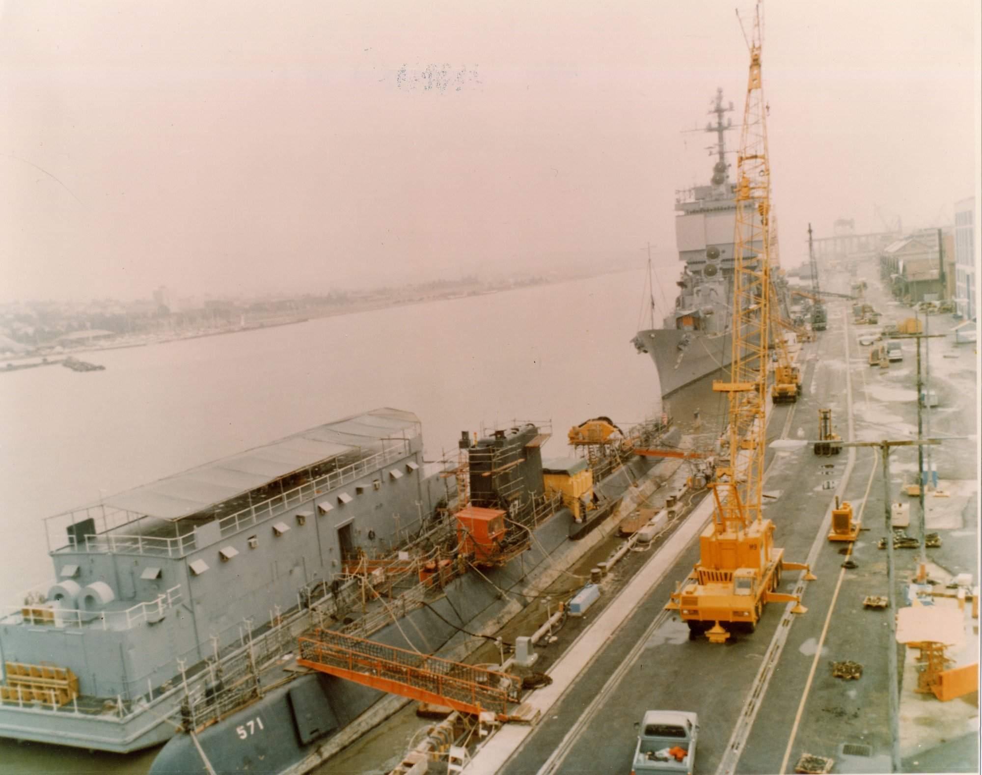 SOUS MARIN NUCLEAIRE D'ATTAQUE USS NAUTILUS 0857114