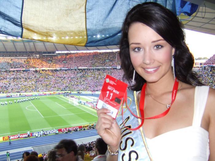 Unnur Birna Vilhjálmsdóttir - Miss World 2005 - Page 2 8c0627775e_2705617_o2