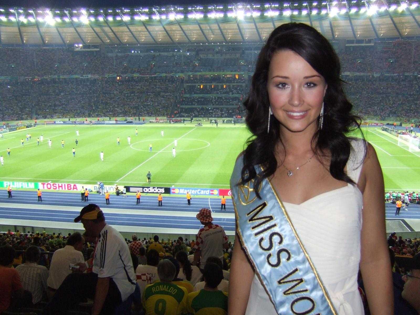 Unnur Birna Vilhjálmsdóttir - Miss World 2005 - Page 2 30239b21c7_2705629_o2