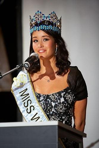 Unnur Birna Vilhjálmsdóttir - Miss World 2005 - Page 2 F752770da6_2995566_o2
