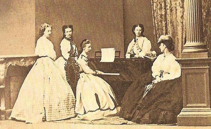 Retratos e imágenes de la emperatriz Elisabeth - Página 4 23ee3231d3_45745753_o2