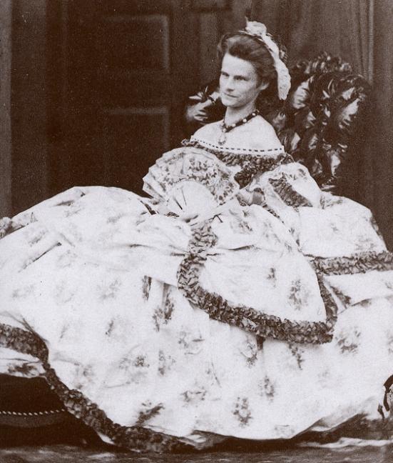 Hermanos y hermanas de la Emperatriz Elizabeth - Página 2 0dd42c61c6_32840379_o2