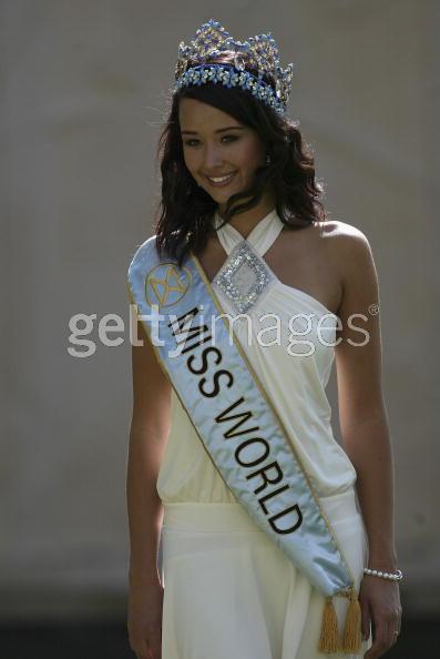 Unnur Birna Vilhjálmsdóttir - Miss World 2005 - Page 2 9fb9cca681_3023919_o2