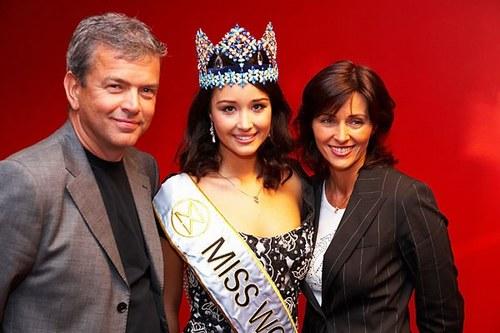 Unnur Birna Vilhjálmsdóttir - Miss World 2005 - Page 2 B14bb25368_2995571_o2