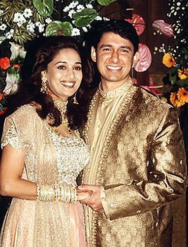 Hum Tumhare Hain Sanam (2002) E9d436ade5_70026197_u