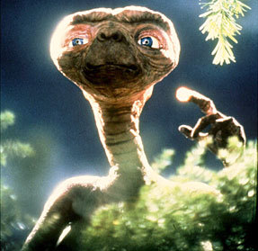 Comment pense un extra-terrestre ET