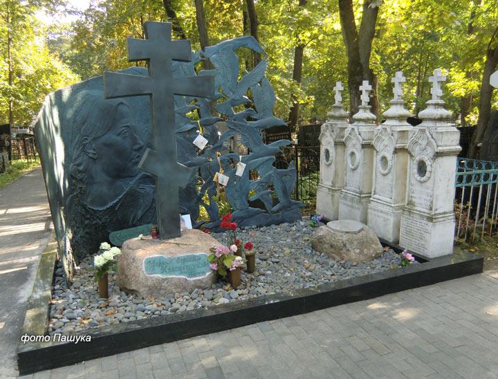 Необыкновенная могила на Ваганьково Krasilnikova-marina1