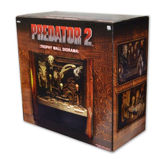 [NECA] [Tópico Oficial] PREDADORES - SDCC Exclusive: Dark Horse Comics - Ahab Predator - Página 20 570w-pkg-51495_Diorama_Trophy_Wall_pkg2