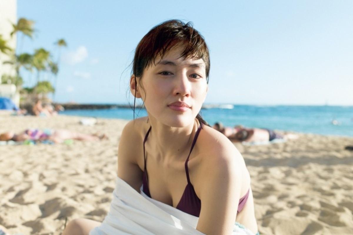 Загадочные японцы - 2 - Страница 6 NekoPOP-Haruka-Ayase-Breath-photobook-1