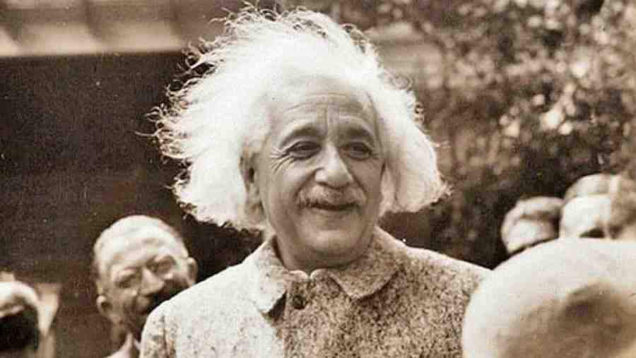 L'ENIGME D'EINSTEIN  -  LaQuestionDuCrepuscule  -  #LaQuestionDuCrepuscule Einstein