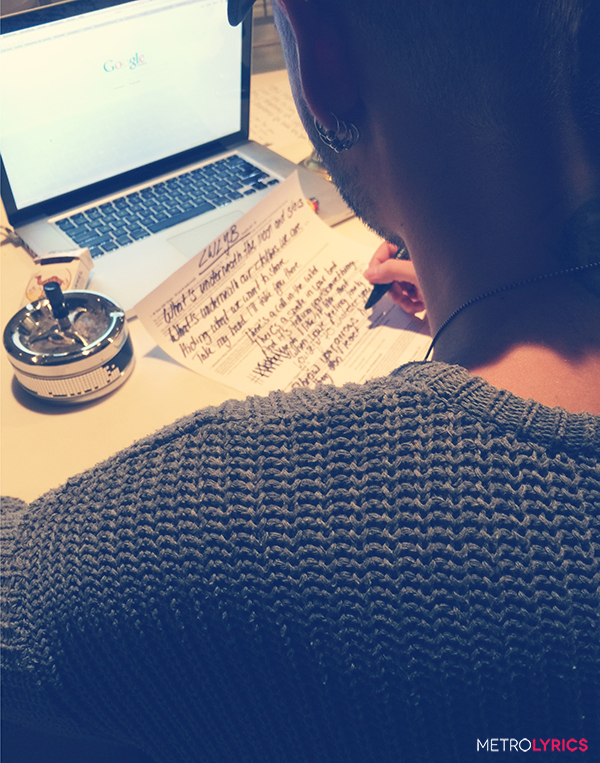 MetroLyrics.com: Quer GANHAR a letra de LWLYB escrita à mão por Bill Kaulitz? TH-Blog