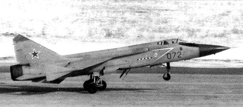 Orosz légi és kozmikus erők - Page 17 MIG-31D_01