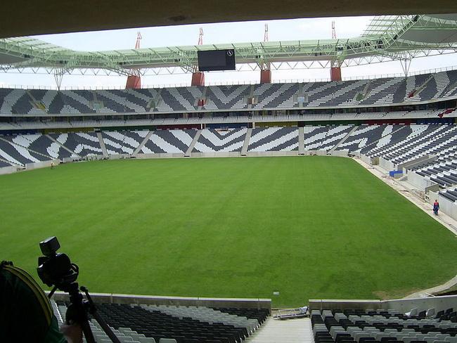كأس العالم 2010 - تعرف على جنوب افريقيا وحكام البطولة وجدول المباريات 20852-14-58733589