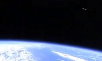 La NASA filme des images d'un étrange ovni... 129-400x240