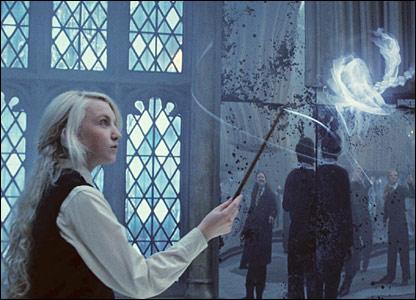Ai đã xem Hary Potter thì vào đây nè....... _42431690_luna_imagenet_gall