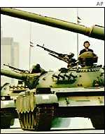 التوازن العسكري بين الهند وباكستان _1420098_paktanks150