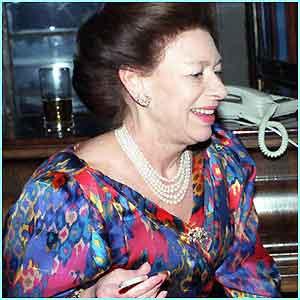 Margarita de Windsor - Página 3 _1811185_with_cigarette