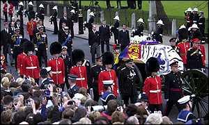 Funerales de la Realeza - Página 2 _1919262_020409madre3