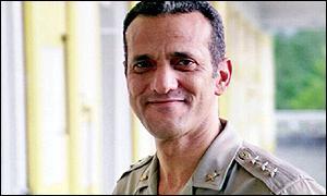 Martelly veut constituer une nouvelle force armée _942489_raoul_cedras300elvisap