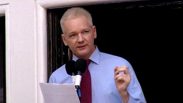 Ecuador says U.K. have threatened to storm its' Embassy to get Assange _62370029_jex_1495207_de27-1