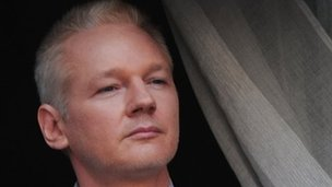 Ecuador says U.K. have threatened to storm its' Embassy to get Assange _62399178_015749859-1
