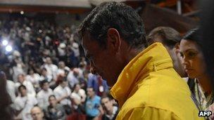 Venezwelyen remete Chavez lan prezidans peyi yo. Bali Bwa Chavez. _63354192_y4jrnnps