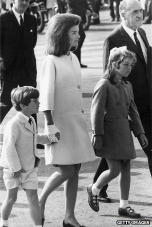 The Irish Thread _74321682_jackie-kennedy-children