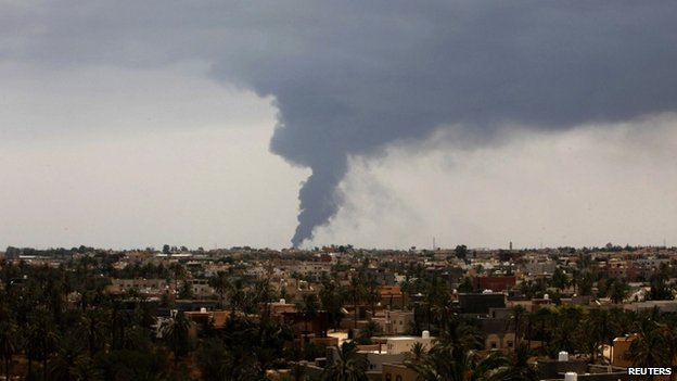 Surviving in Libya _76580304_023325113-1