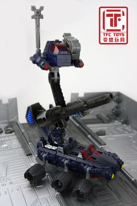 [TFClub] Rollo (mini bolide d'Optimus) devient robot | [TFClub] Gears of War 2: Fusils d'Optimus MPKIT033_1219072791