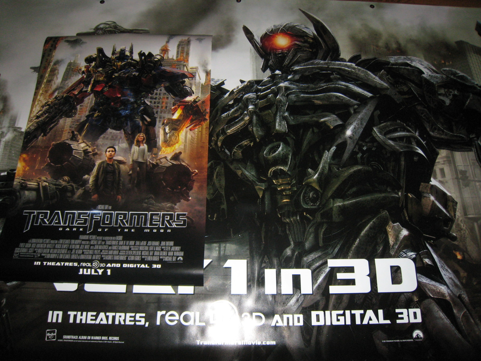 TRANSFORMERS 3: Face cachée de la lune (2011) - Spoiler/Rumeurs [page 3] - Page 5 Transformers-3-Dark-of-the-Moon-Posters-Banners_1305086926