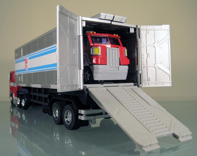 [Masterpiece] MP-10 Optimus Prime/Optimus Primus - TakaraTomy | Hasbro MP10-Convoy-14_1316857400