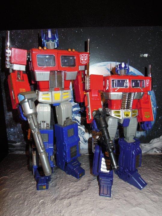 [Masterpiece] MP-10 Optimus Prime/Optimus Primus - TakaraTomy | Hasbro - Page 2 Mp1010_1316713901