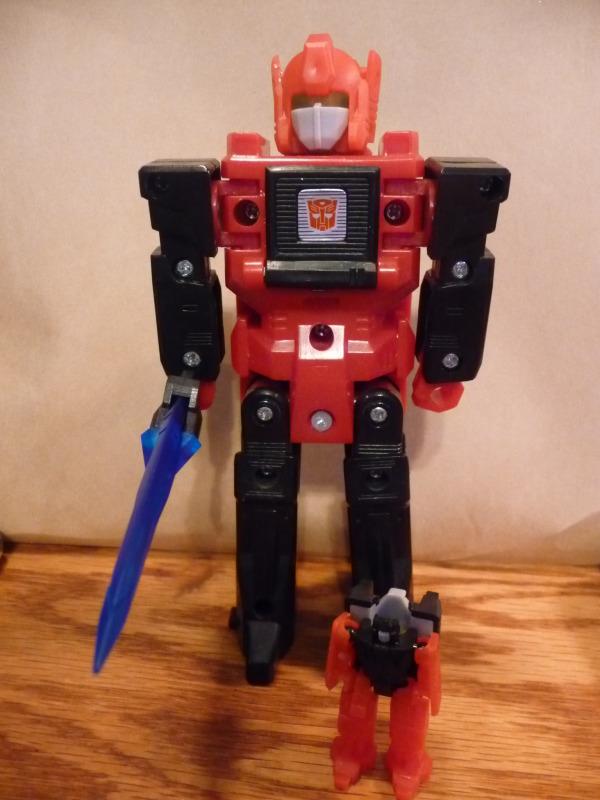 [Headrobots] Produit Tiers - Les Headmasters reviennent! - Page 2 P1050105_1333206009