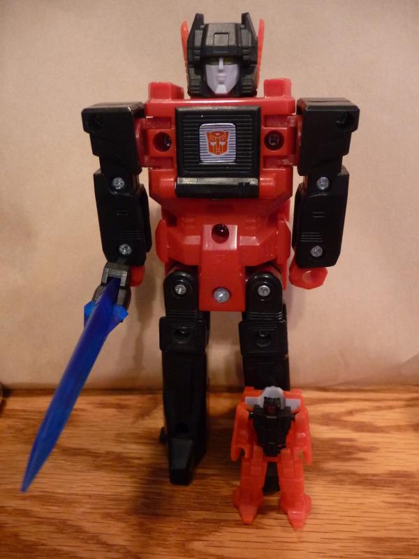 [Headrobots] Produit Tiers - Les Headmasters reviennent! - Page 2 P1050106_1333206009