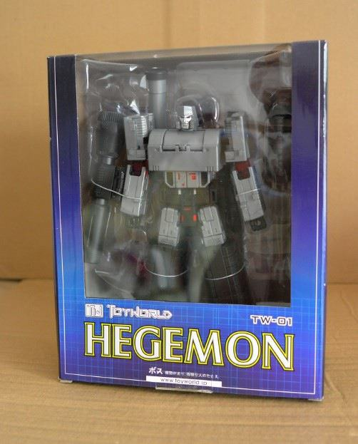 [ToyWorld] Produit Tiers - Jouet Hegemon, aka Mégatron G1 - Page 2 Hegemon1_1338615332