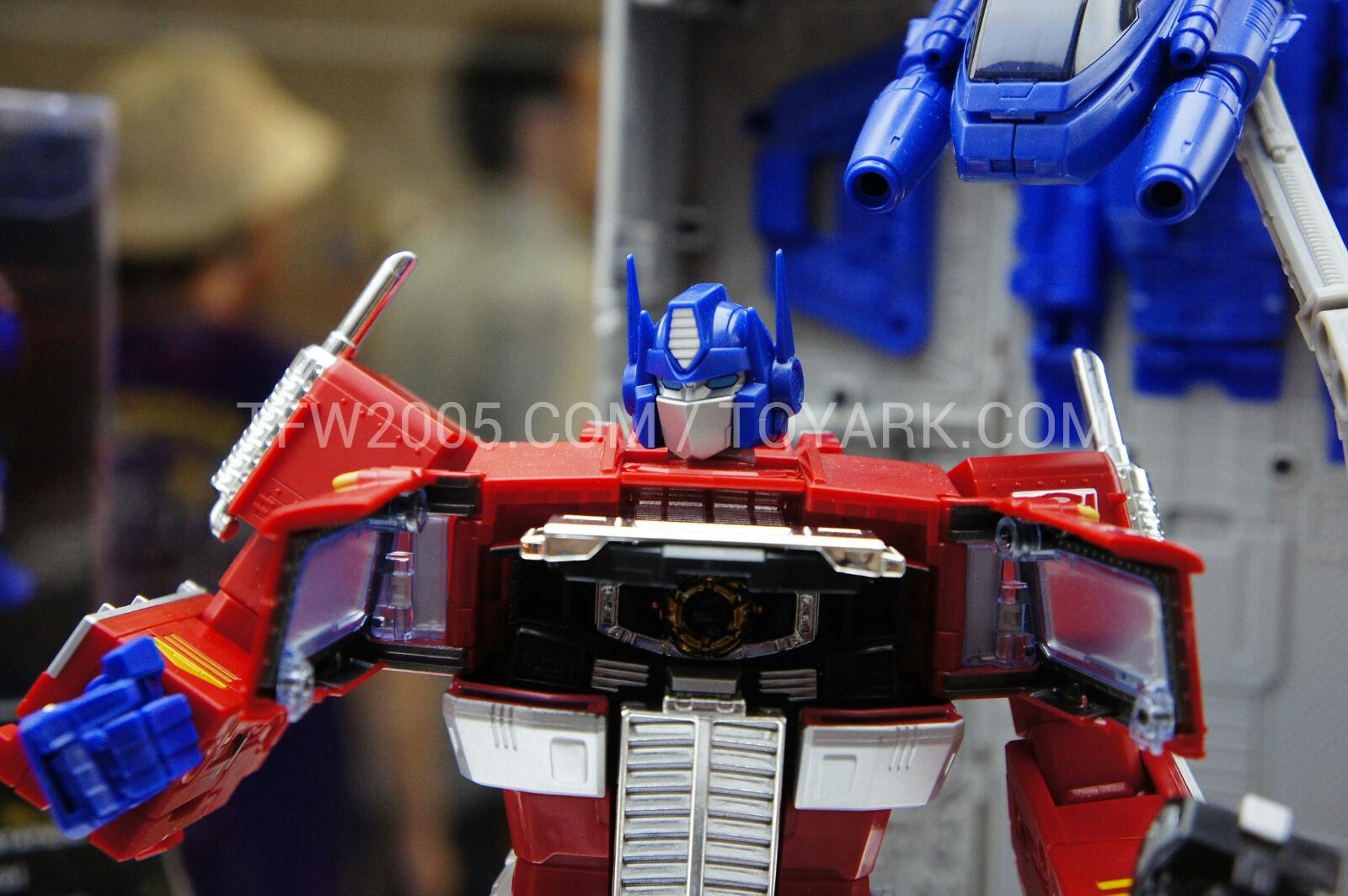 [Masterpiece] MP-10 Optimus Prime/Optimus Primus - TakaraTomy | Hasbro - Page 3 _DSC3069_1343116176