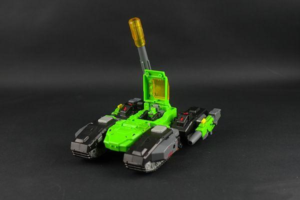 [Toyworld] Produit Tiers - Jouets Headmasters - TW-H01 Hardbone, TW-H02 Brainwave, TW-HO3 Swamper Hardbone3_1357804664