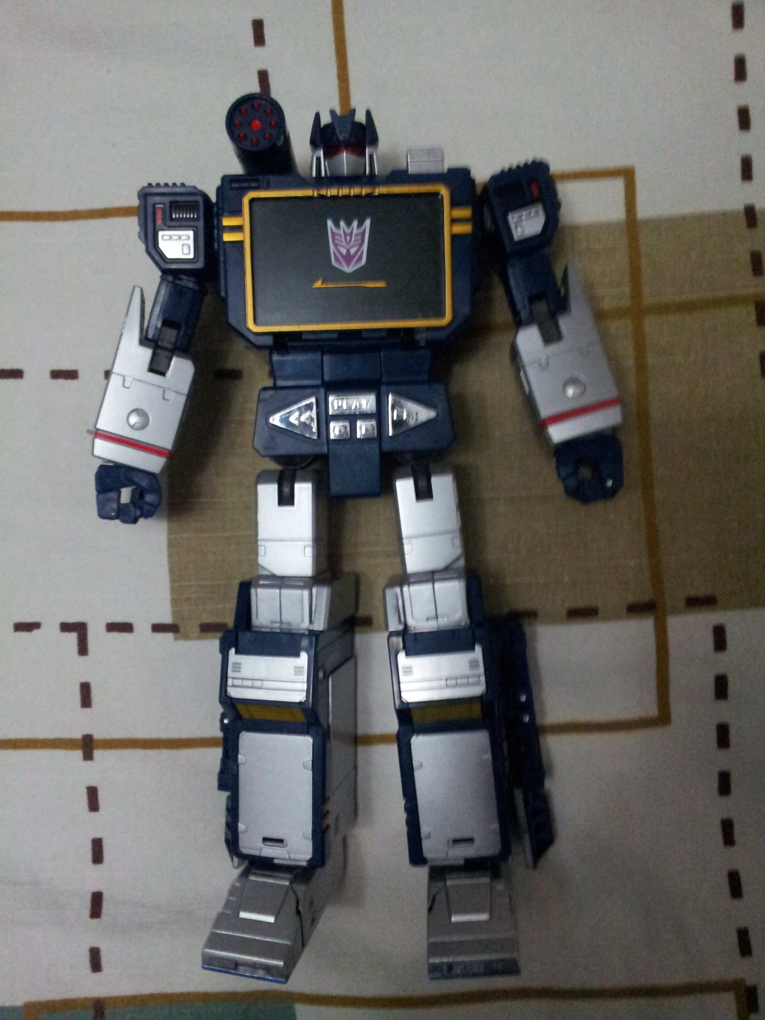[Masterpiece] MP-13 Soundwave/Radar Mp135_1358787660