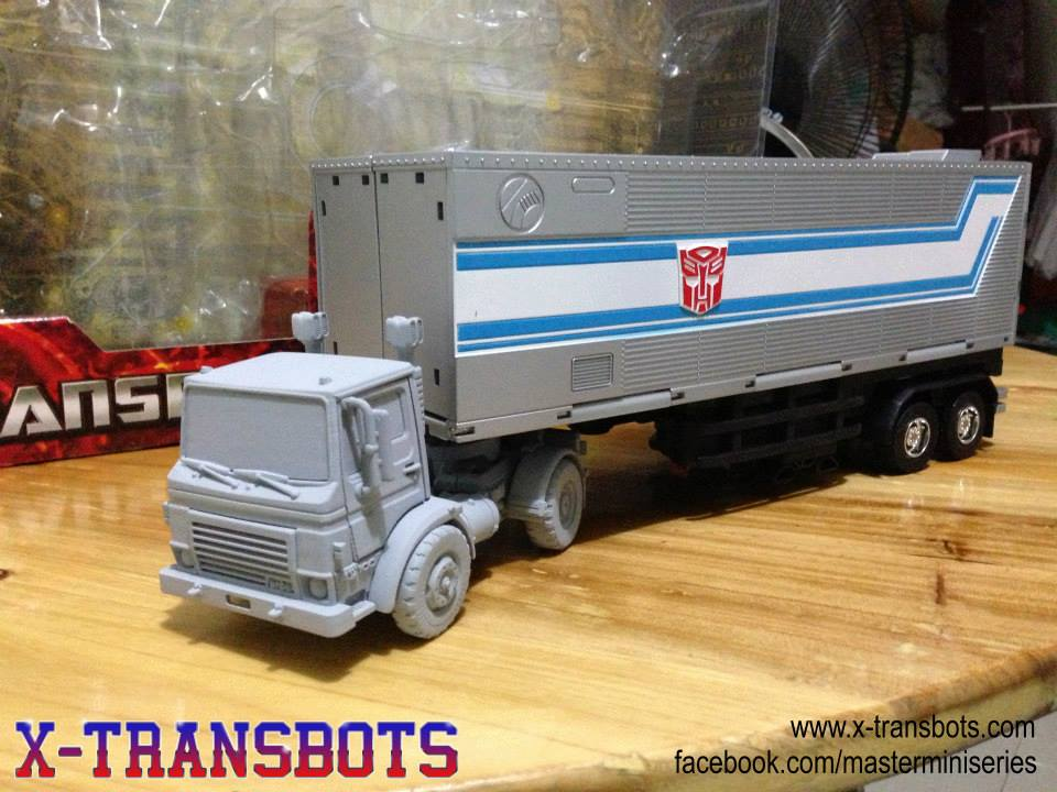 [X-Transbots] Produit Tiers - Minibots MP - Gamme MM 27376831d1373602656-x-transbots-huffer-pipes-1000474_486808114731982_662640604_n_1373662086