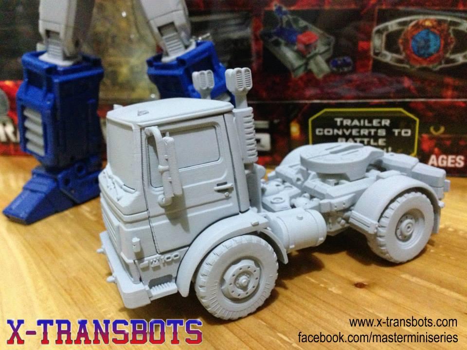 [X-Transbots] Produit Tiers - Minibots MP - Gamme MM 27376832d1373602656-x-transbots-huffer-pipes-12037_486808191398641_1229741356_n_1373662086