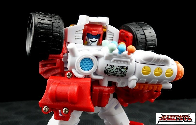 [MakeToys] Produit Tiers - Minibots, G2 Optimus, MM-01 Trashtalk & Cogwheel (aka Swerve/Embardo & Gears/Rollo), MM-02 Rear End (aka Tailgate/Hayon), MT-03 Hyper Novae (aka Nova Prime) d'IDW - Page 2 Myfirst2_1390667813