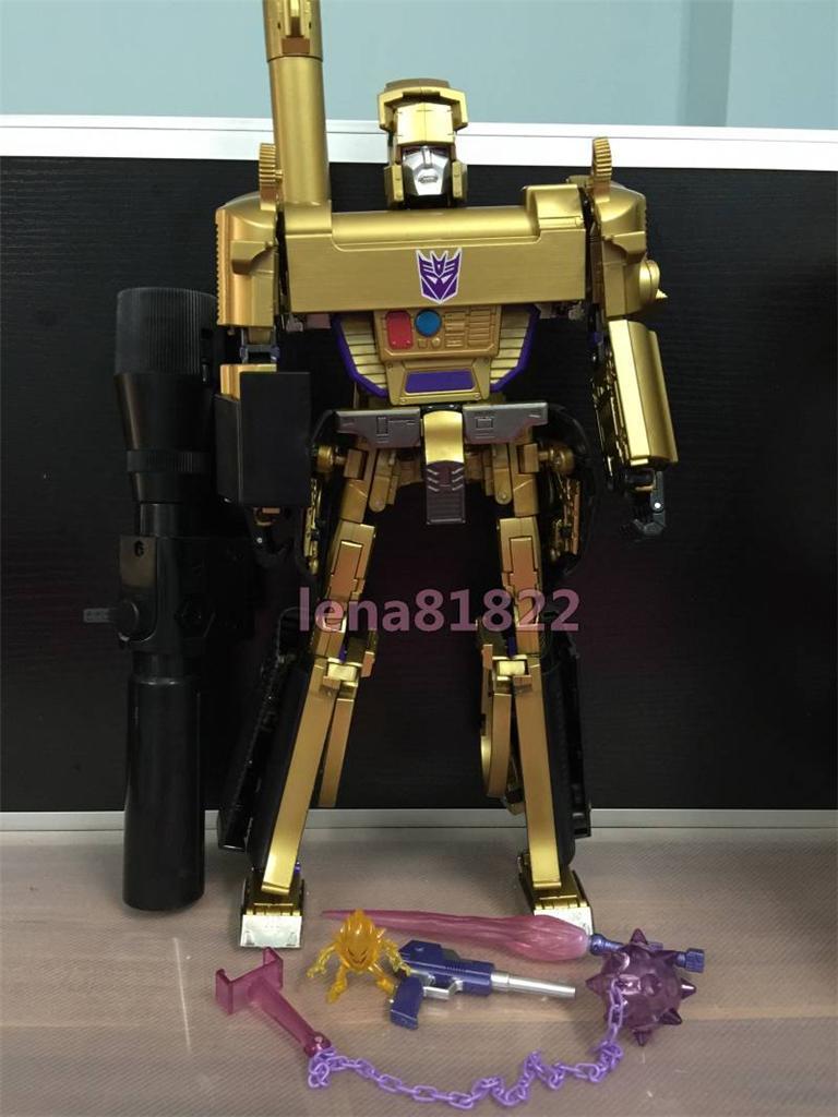 Masterpiece MP-1/MP-4 Optimus, MP-2 Ultra Magnus/Ultramag, MP-3 Starscream/Égo, MP-5 Mégatron, MP-6 Skywarp/Fraudeur, MP-7 Thundercracker/Coup de Tonnerre, MP-8 Grimlock/La Menace, MP-9 Rodimus - Page 15 795608738_o_1414887877