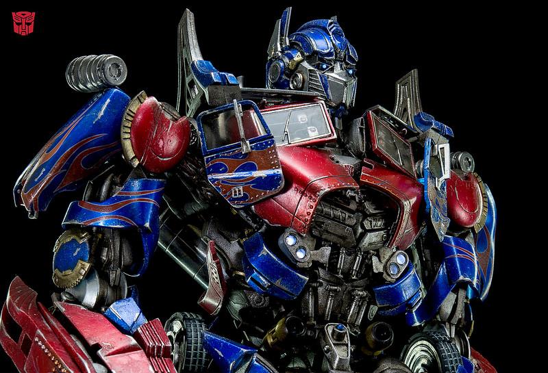 Figurines des Films Transformers ― Par Threezero (3A ThreeA), Comicave Studios, etc 3A-Dark-of-the-Moon-Optimus-Prime-004