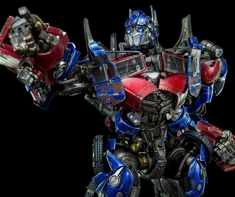Figurines des Films Transformers ― Par Threezero (3A ThreeA), Comicave Studios, etc 3A-Dark-of-the-Moon-Optimus-Prime-005
