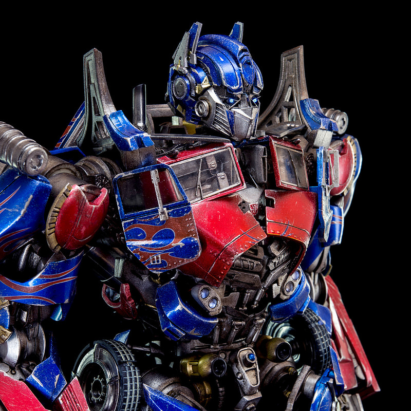 Figurines des Films Transformers ― Par Threezero (3A ThreeA), Comicave Studios, etc 3A-Dark-of-the-Moon-Optimus-Prime-006